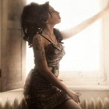 Watch Unreleased Interviews & Live Performances from Amy Winehouse