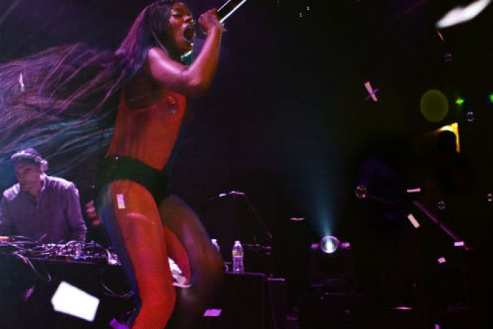 Azealia Banks - Mermaid Ball (Live in Los Angeles)