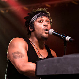D'Angelo – 2012 BET Awards Performance