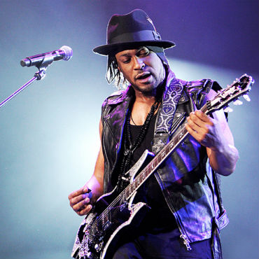 D'Angelo Announces Tour with Mary J. Blige