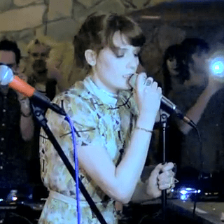 "Florence + the Machine & Dev Hynes Cover Green Day's ""Hitchin' A Ride"""
