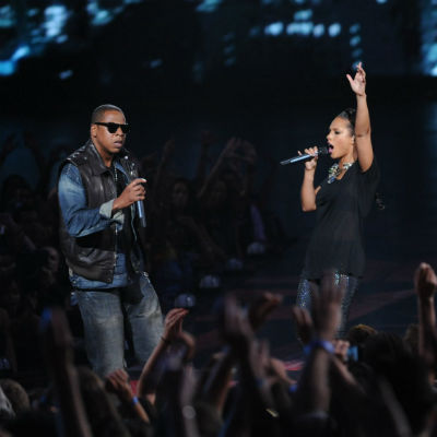 "Jay-Z & Alicia Keys' ""Empire State of Mind"" Goes 5x Platinum"