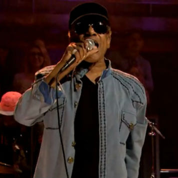 Bobby Womack Performs with Damon Albarn and Richard Russell on 'Late Night with Jimmy Fallon'