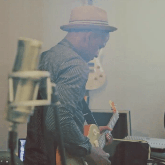 HYPETRAK TV: Labrinth - An Electronic Journey