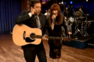 Jimmy Fallon featuring Florence Welch - Balls In Your Mouth (Live on Fallon)