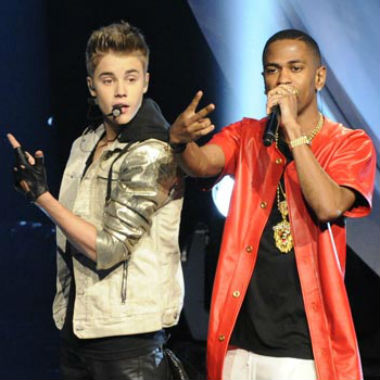 Justin Bieber featuring Big Sean - As Long As You Love Me (Live on America's Got Talent)