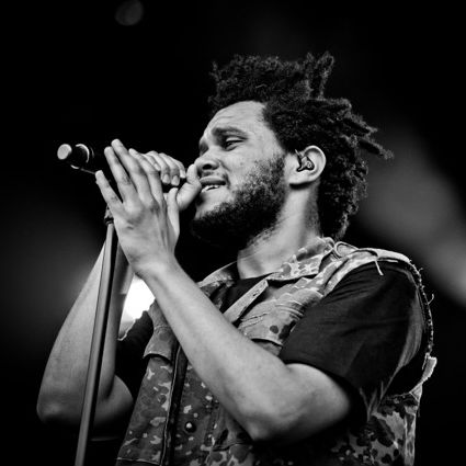The Weeknd Performs New Song in Chicago