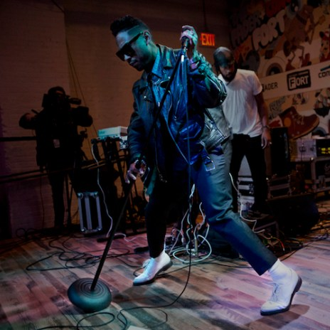 """Miguel Performs """"Adorn"""" Live at The FADER FORT"""