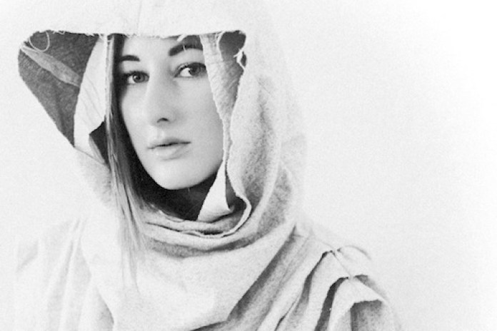 Zola Jesus - Diamonds (Rihanna Cover)