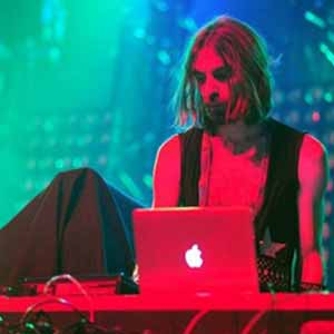 Breakbot featuring Irfane - Baby I'm Yours (Live at Lille)