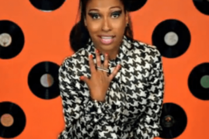 Melanie Fiona featuring B.o.B  – Change The Record