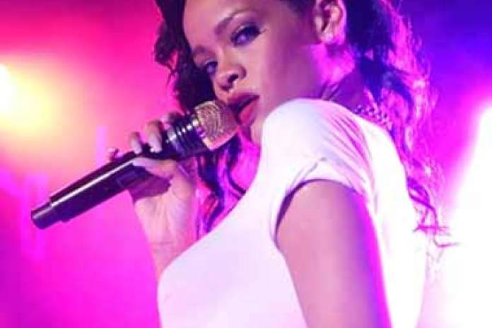 Rihanna - Live From London (Stream)
