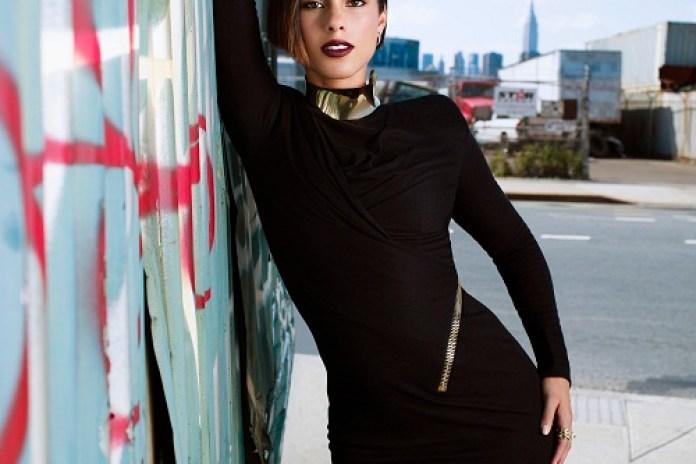 Alicia Keys' 'Girl on Fire' Tops the Billboard 100 Chart