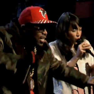 Big Boi featuring Little Dragon - Mama Told Me (Live on Fallon)
