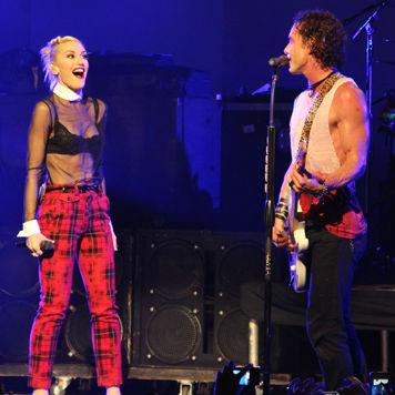 "Gwen Stefani and Gavin Rossdale Perform ""Glycerine"""