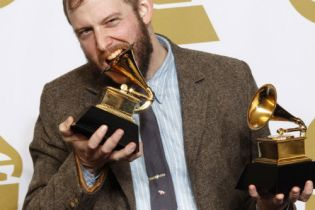 "Bon Iver's Justin Vernon: ""I Still Hate The Grammys"""