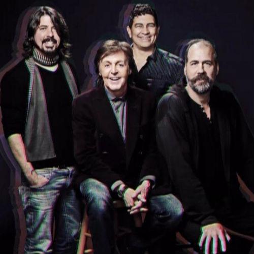 "Paul McCartney and ""Nirvana"" Perform on Saturday Night Live"