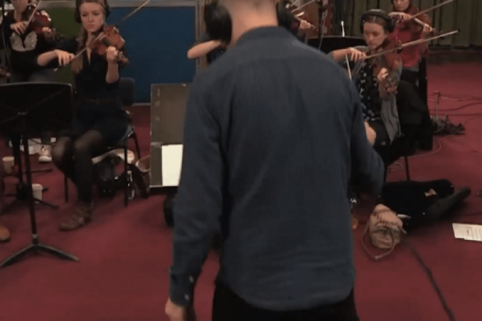 DJ Benji B & String Ensemble Perform Songs by Kanye West, Drake, TNGHT & Others