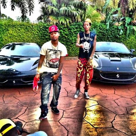 Juelz Santana featuring Wiz Khalifa & Bucksy Luciano - Everything Is Good