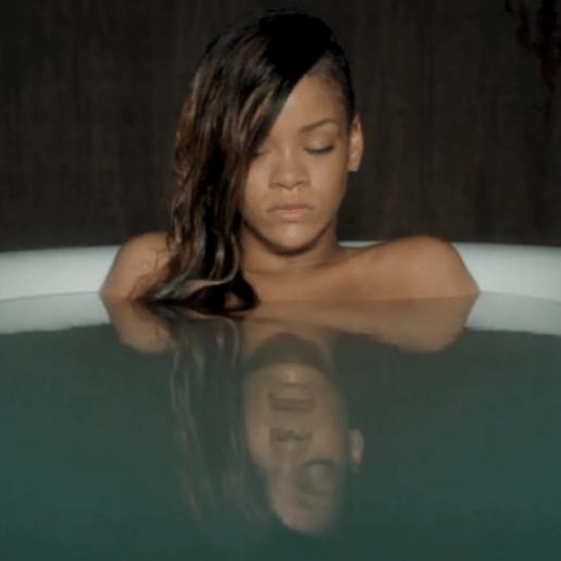 Rihanna featuring Mikky Ekko - Stay