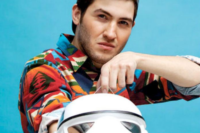 "Warner Bros. Strikes Deal with Mad Decent for Distribution of Baauer's ""Harlem Shake"""