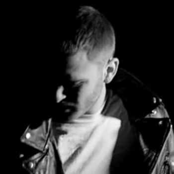 Jared Evan featuring Joey Bada$$ – Black & White