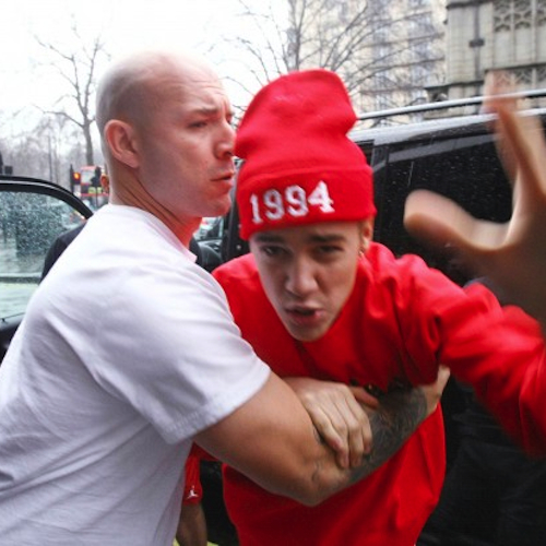 Justin Bieber Involved In Altercation with Photographer In London