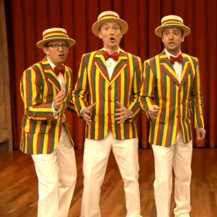 """Justin Timberlake Performs """"Mirrors"""" and a Barbershop Rendition of """"SexyBack"""" on Fallon"""