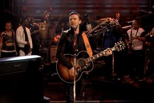 "Justin Timberlake Performs Medley and ""History of Rap 4"" On 'Fallon'"