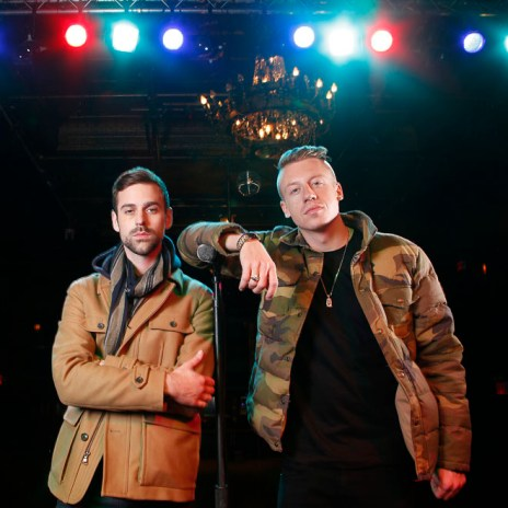 "Macklemore & Ryan Lewis' ""Thrift Shop"" Goes 5x Platinum"
