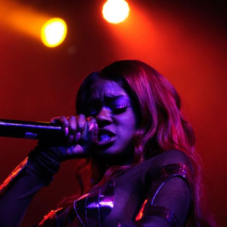 "Azealia Banks Ends ""Days of Twitter Terror,"" Deletes All Tweets"