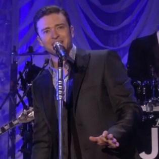 "Justin Timberlake Performs ""Mirrors"" on Ellen"