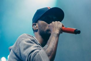 KiD CuDi Releases Indicud One Week Earlier, Climbs Up the iTunes Charts