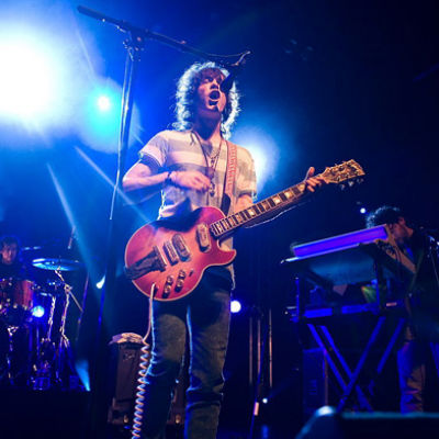 "MGMT Premieres Song ""Mystery Disease"" Live at Penn State"