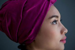 Yuna featuring KYLE - Let Love Come Through