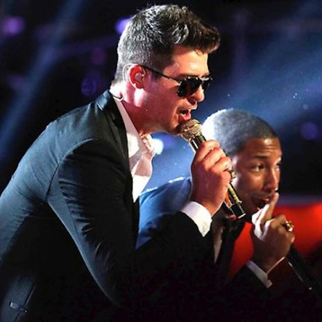 "Robin Thicke, Pharrell Williams & T.I. Perform ""Blurred Lines"" on The Voice"