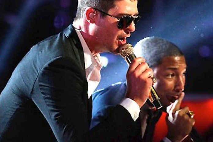 """Robin Thicke, Pharrell Williams & T.I. Perform """"Blurred Lines"""" on The Voice"""