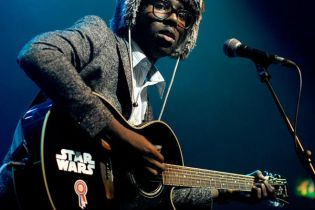 Dev Hynes to Collaborate with Clams Casino, Jessie Ware & Sugababes