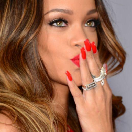 Rihanna Celebrates Sixth Platinum Album with 'Unapologetic'