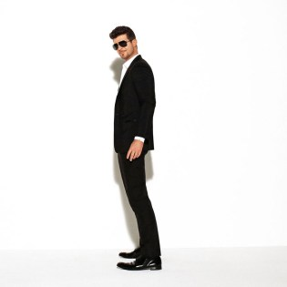 Robin Thicke featuring 2 Chainz & Kendrick Lamar - Give It To You (Produced by will.i.am) (Radio Rip)