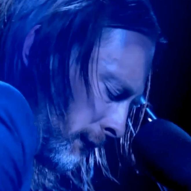 "Watch Thom Yorke Perform ""Karma Police"" & ""Ingénue"" on  'Jonathan Ross Show'"