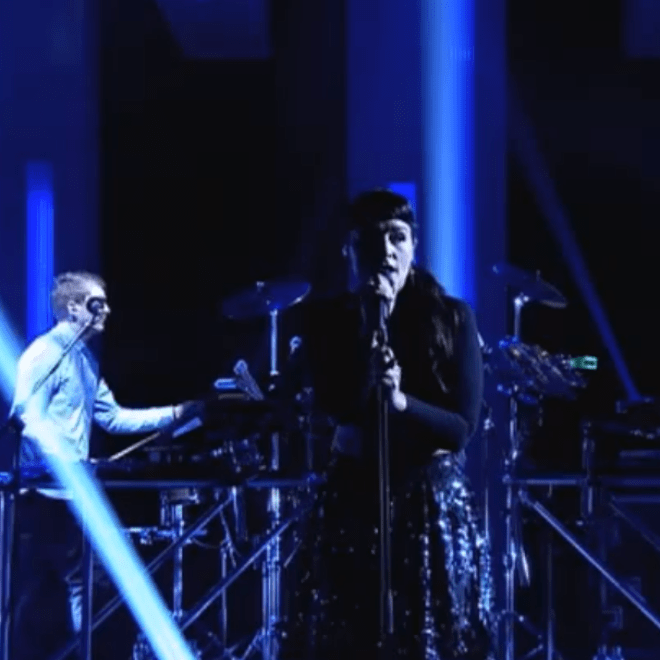 Disclosure & Jessie Ware –  Confess To Me (Live on Jools Holland)