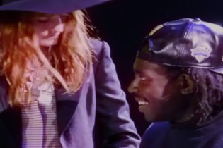 """Florence Welch & Dev Hynes Cover Icona Pop's """"I Love It"""""""