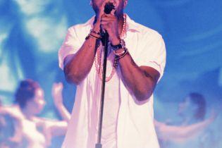 Kanye West Plans Tour Behind 'Yeezus'