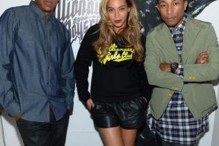 "Pharrell Calls Jay-Z's 'Magna Carta Holy Grail' Album ""Special"""