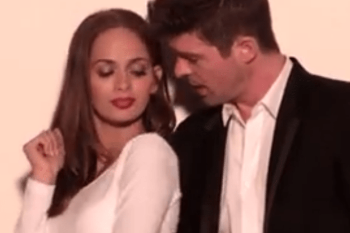 Robin Thicke, Pharrell, Jimmy Kimmel & Guillermo – Blurred Lines (Special Version)
