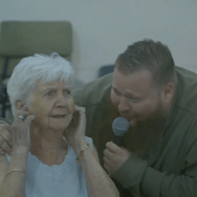 """Action Bronson Performs """"Strictly 4 My Jeeps"""" at Retirement Center"""