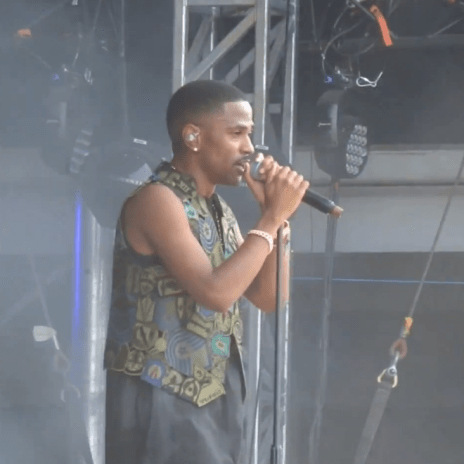Big Sean Performs New Song in London