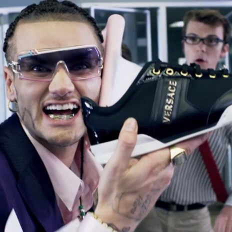 Far East Movement featuring RiFF RaFF - The Illest