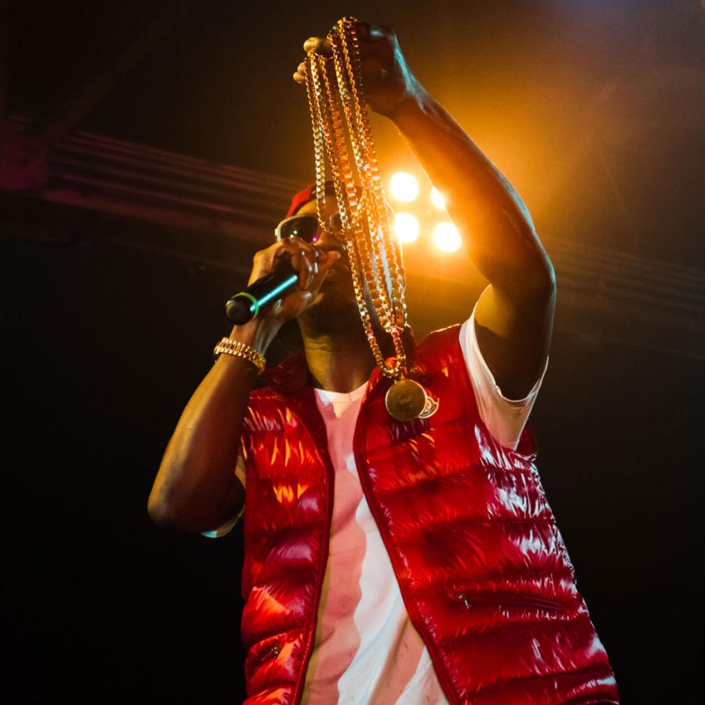Juicy J featuring Wiz Khalifa – Shootin'